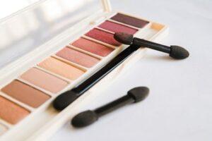 2. Easy Filter Eyeshadow Palette: