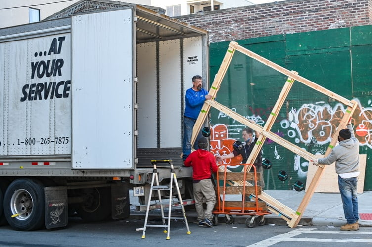 Essential Things To Consider While Selecting A House Removal Company